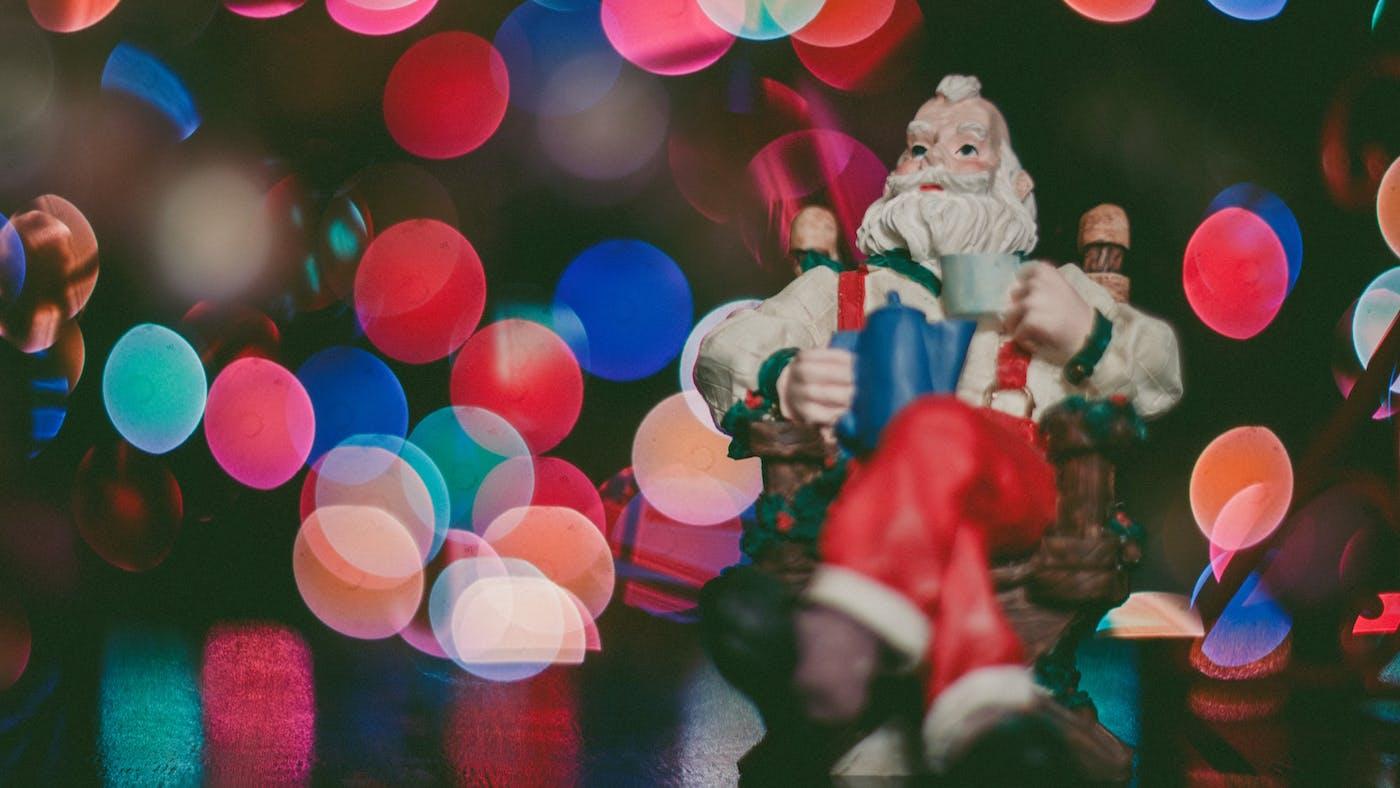 close - Santa Claus And Jesus 2