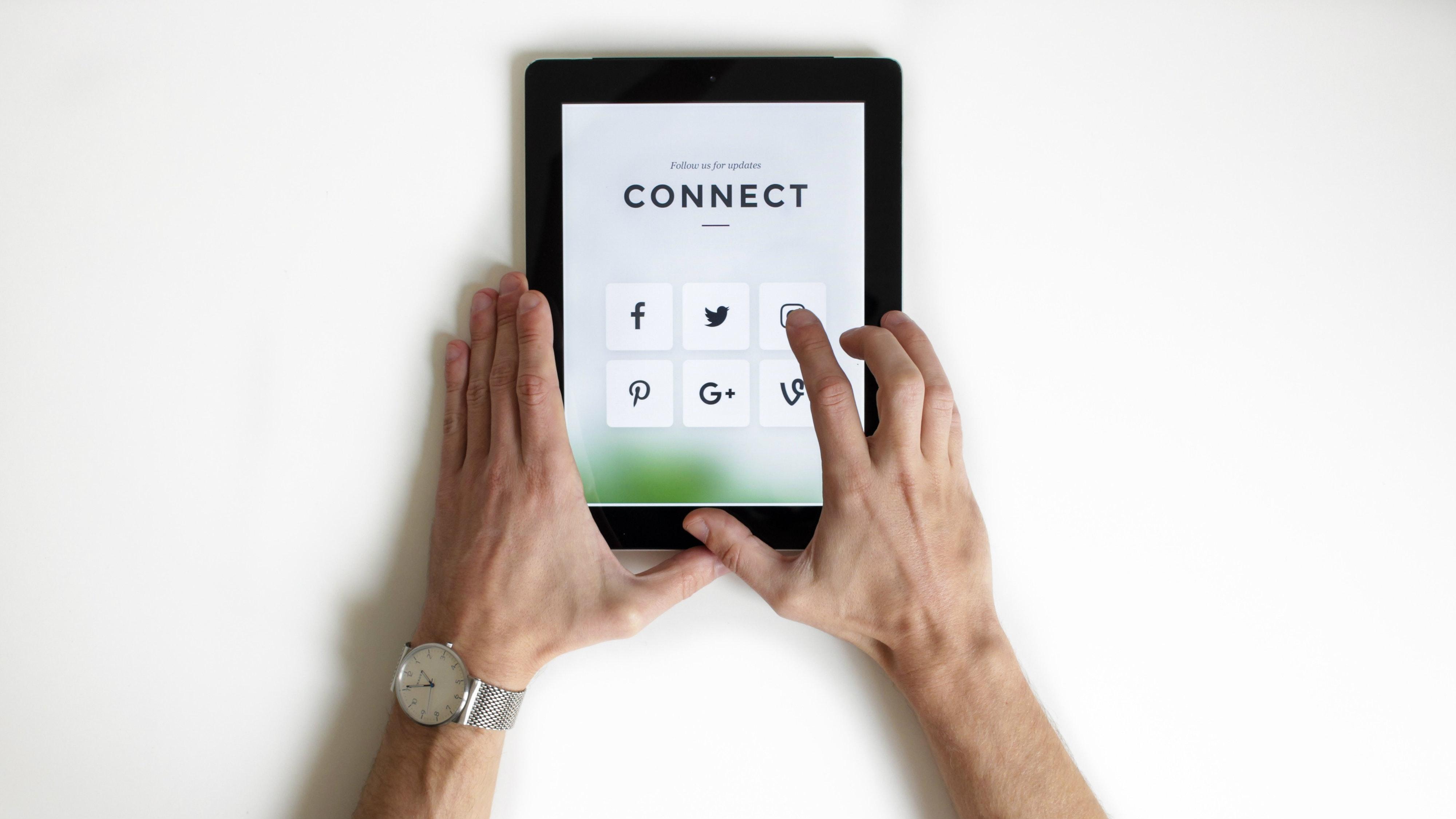 Why We Should Escape Social Media