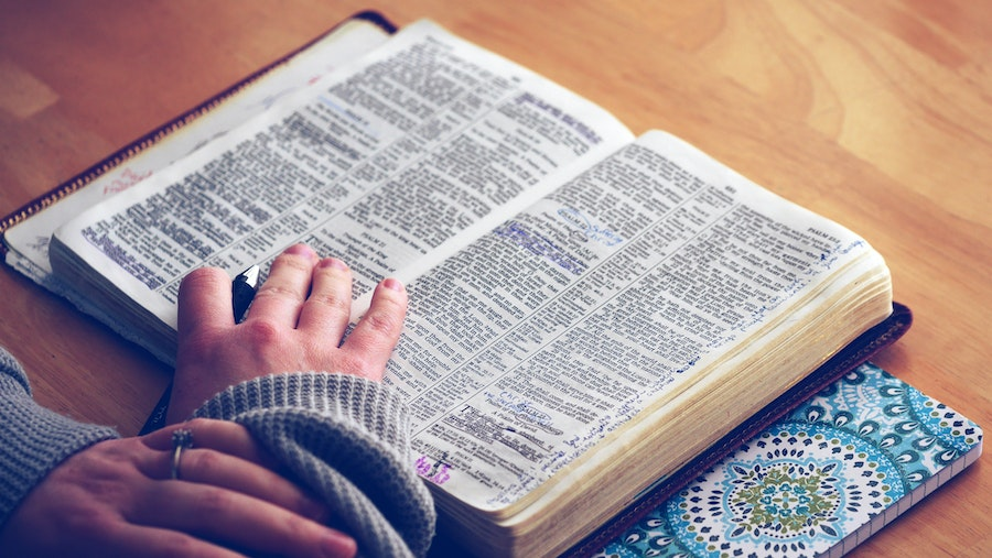 Women of the Word: Reading the Bible for Ourselves